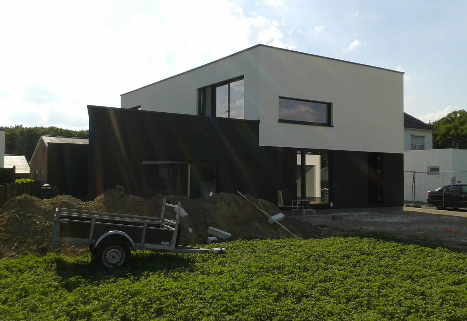 Open ngezinswoning in betonbouw met praktijkruimte en patio studio tec - Zeer moderne woning ...